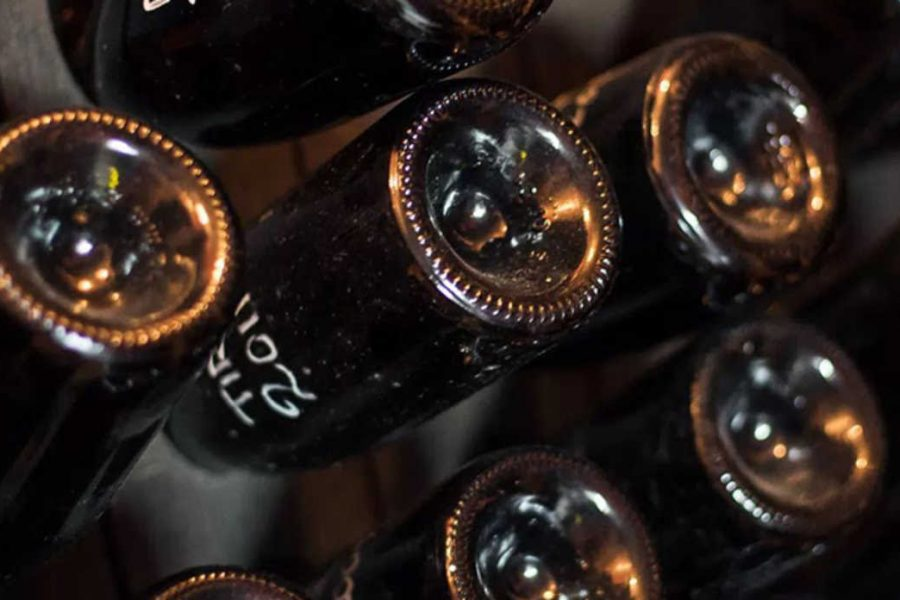Marco Buvoli il re del Pinot Nero: la follia dell'Arte in bottiglia.